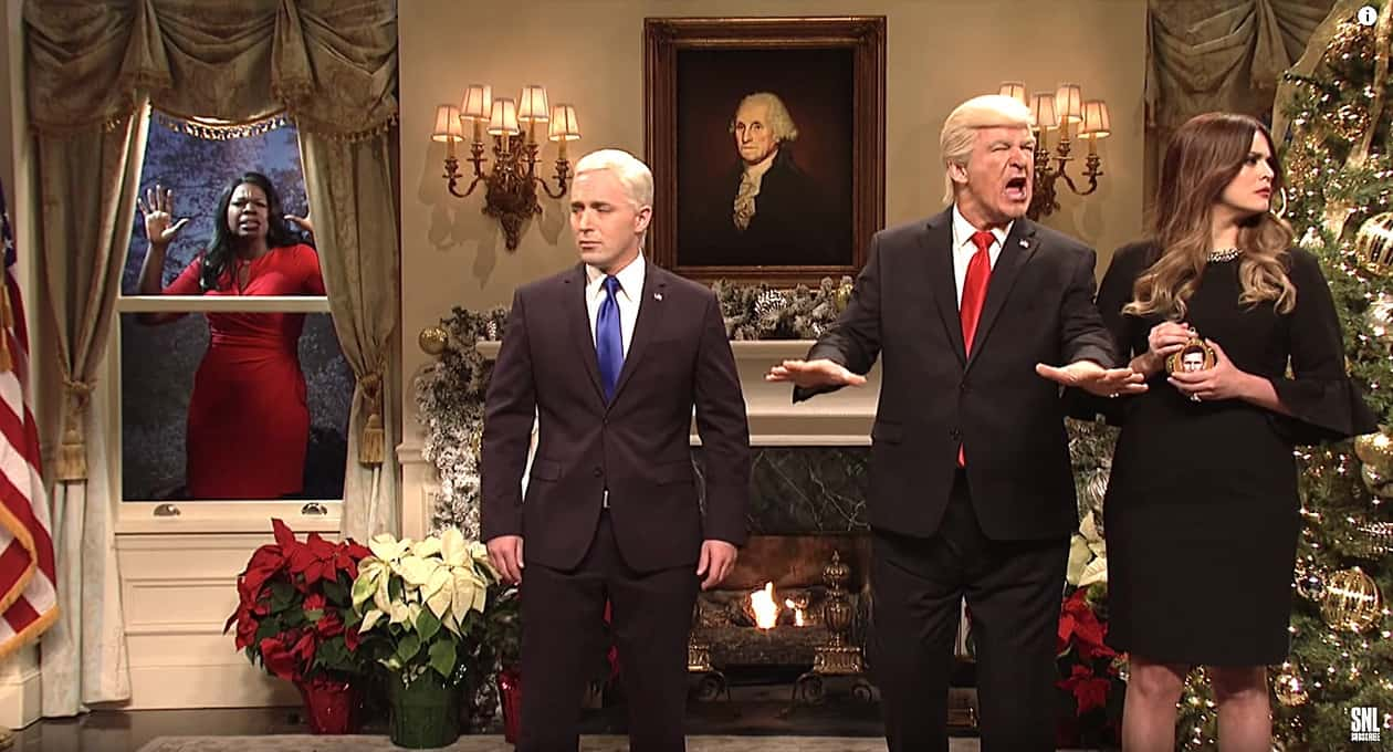 'SNL' crew trims Christmas tree with Trump's 'haters and losers'