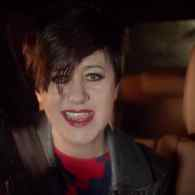 You've Missed Her Like the Deserts Miss the Rain — Now Tracey Thorn is Back with 'Queen' – WATCH