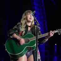 Taylor Swift Marks Pride Month with Message for 'Brave' Out LGBTQ Fans at Chicago Concert: WATCH