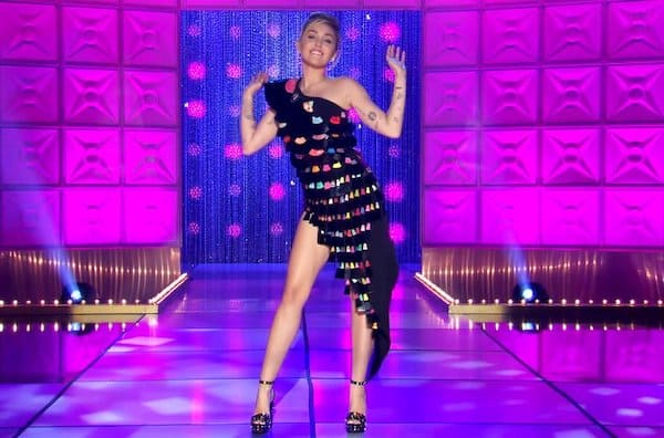 Miley Cyrus dresses in drag for 'RuPaul's Drag Race' premiere