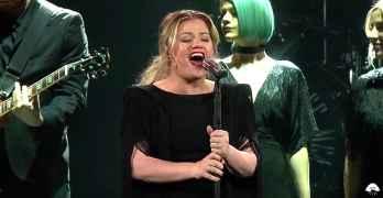 Kelly Clarkson Shallow