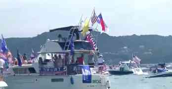 trump boat parade lake travis