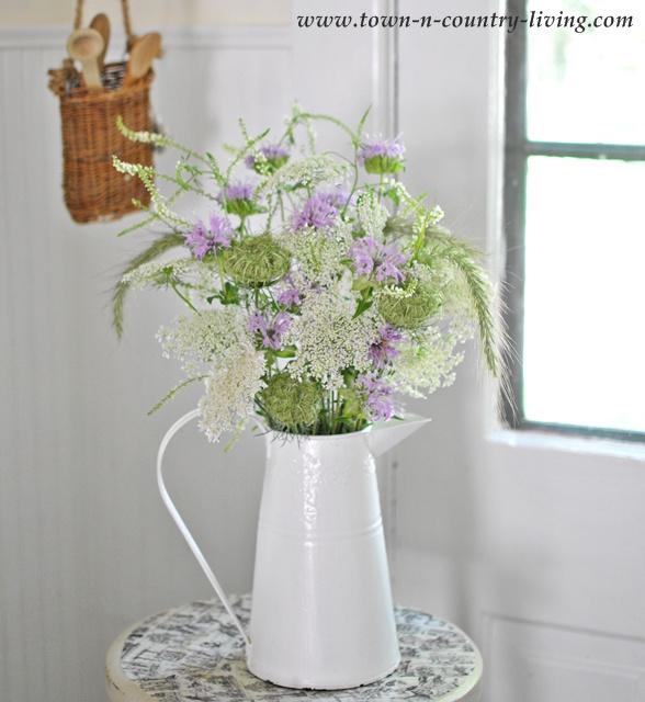10 Summer Flower Arrangements Town Amp Country Living