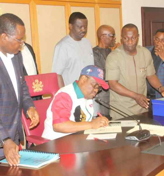 Governor Wike Signs Rivers State 2019 Appropriation