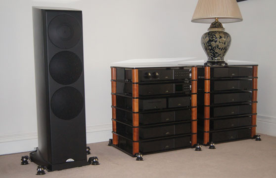 Townshend-seismic-isolation-under-Naim system including Ovator S-600s speakers