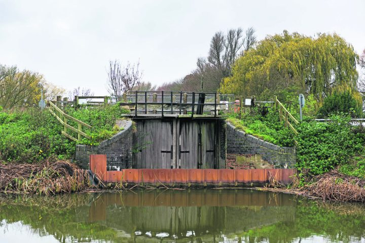 Welches Dam Lock, currently closed to navigation to and from the Forty Foot River on the Middle Level by a cofferdam installed by the Environment Agency in 2006.