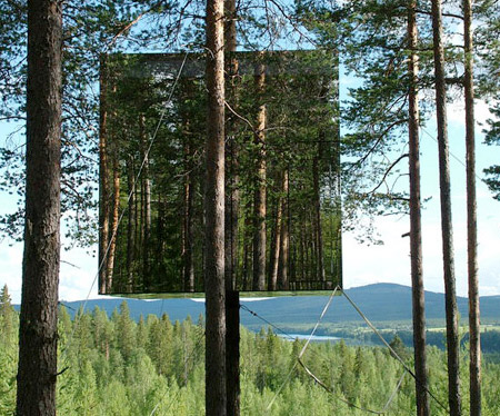 Mirrored Tree Hotel