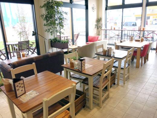 ハンプティーダンプティー 富山掛尾店 生活雑貨店の併設カフェ
