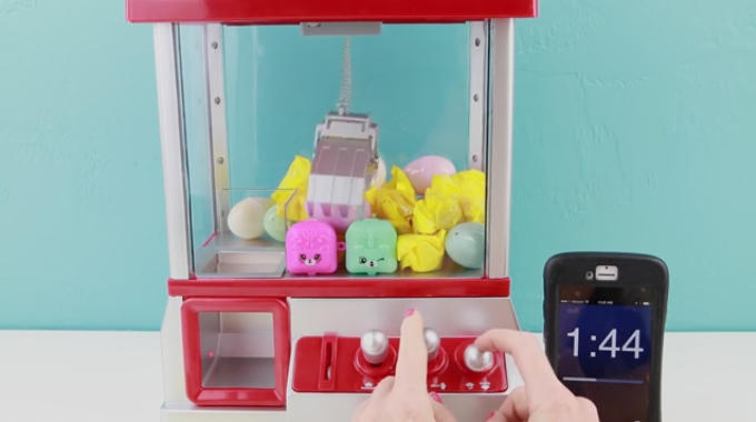 Shopkins Season 5 Claw Machine Toy