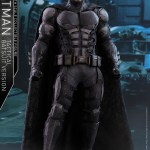 dc-comics-justice-league-batman-tactical-batsuit-version-sixth-scale-hot-toys-903119-01