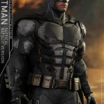 dc-comics-justice-league-batman-tactical-batsuit-version-sixth-scale-hot-toys-903119-06