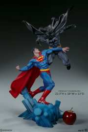dc-comics-batman-vs-superman-diorama-sideshow-200539-03