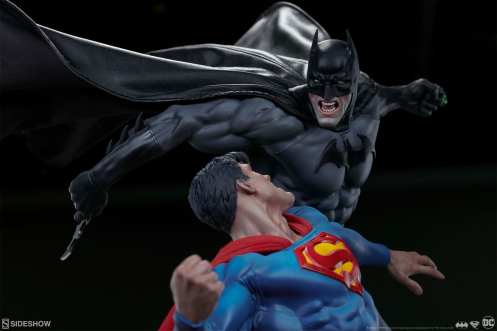 dc-comics-batman-vs-superman-diorama-sideshow-200539-12