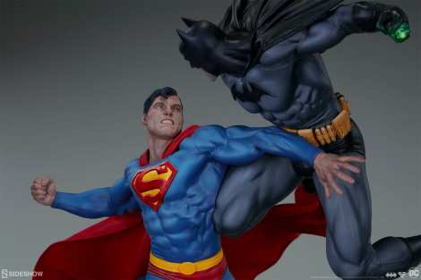 dc-comics-batman-vs-superman-diorama-sideshow-200539-18