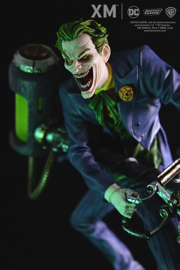 xm-studios-the-joker-rebirth-series-sixth-scale-statue-img04