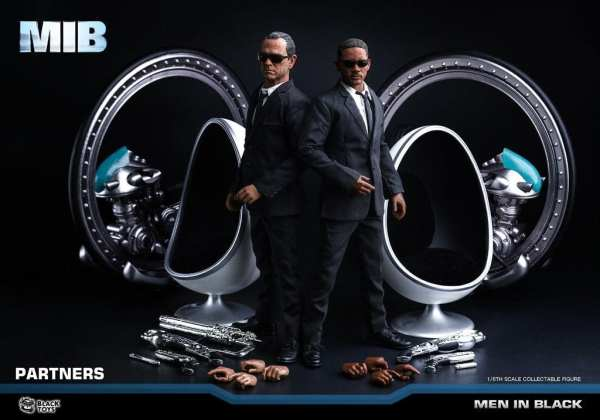 black-toys-bt103-agent-k-men-in-black-1-6-scale-figure-img05