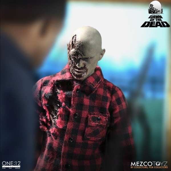 mezco-toyz-one12-collective-dawn-of-the-dead-1-12-scale-figure-img06