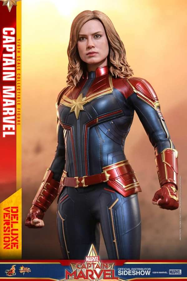 captain-marvel-deluxe-version-1-6-scale-figure-hot-toys-img07