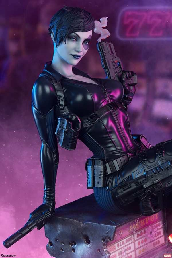 domino-premium-format-figure-sideshow-collectibles-marvel-statue-img02