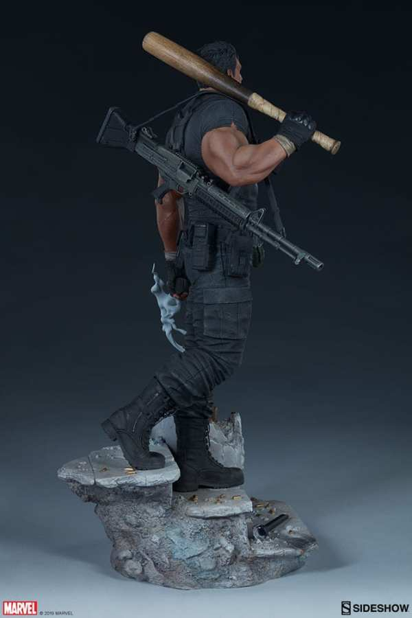 the-punisher-premium-format-figure-sideshow-collectibles-statue-img09