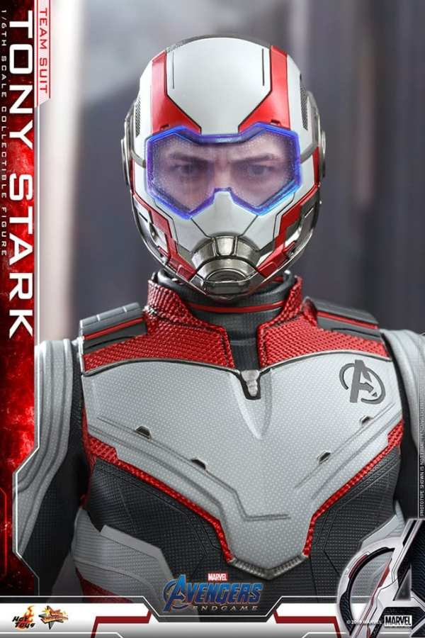 hot-toys-tony-stark-team-suit-avengers-endgame-sixth-scale-figure-marvel-img08