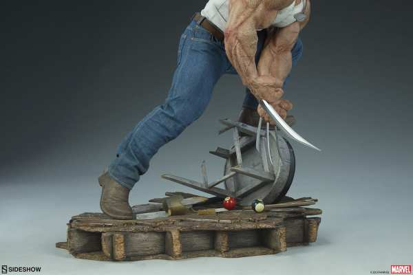 sideshow-collectibles-logan-premium-format-statue-marvel-x-men-img12