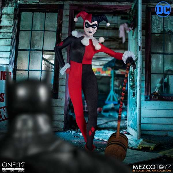 mezco-toyz-harley-quinn-deluxe-edition-one12-collective-dc-comics-img01