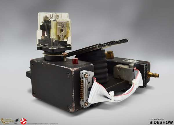 hollywood-collectibles-ghostbusters-ghost-trap-prop-replica-lifesize-collectibles-img11