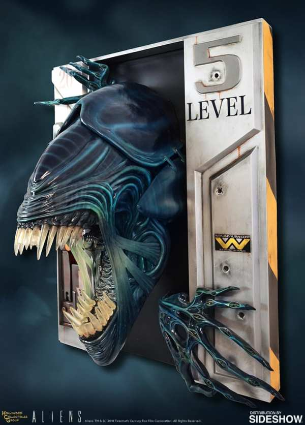 hollywood-collectibles-group-aliens-alien-queen-life-size-wall-sculpture-img03