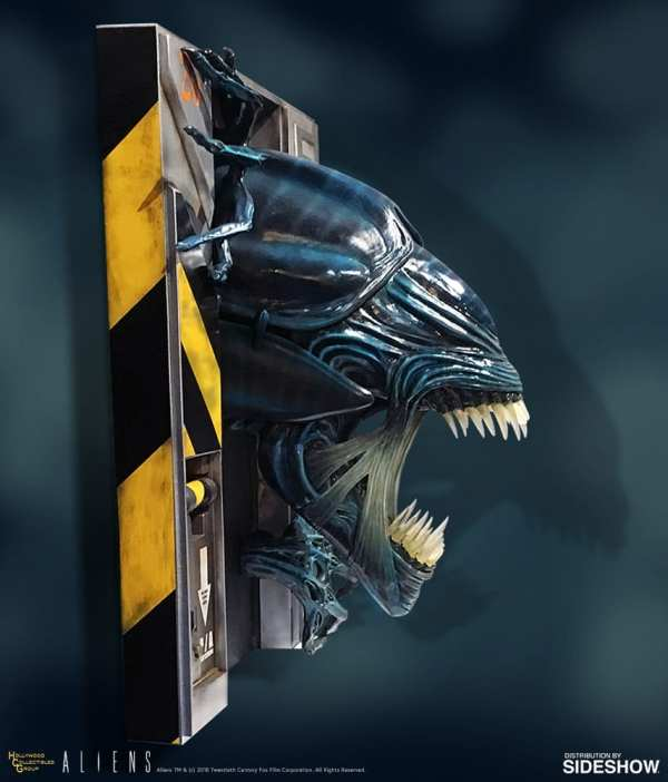 hollywood-collectibles-group-aliens-alien-queen-life-size-wall-sculpture-img07