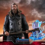 hot-toys-thor-sixth-scale-figure-avengers-endgame-mms-557-img08