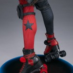 sideshow-collectibles-harley-quinn-hell-on-wheels-premium-format-statue-dc-comics-img18