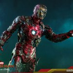 hot-toys-mysterios-iron-man-illusion-sixth-scale-figure-marvel-mms-580-img13