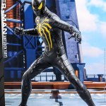 hot-toys-spider-man-anti-ock-suit-sixth-scale-figure-marvel-collectibles-img02