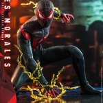 hot-toys-miles-morales-1-6-scale-figure-spider-man-marvel-vgm046-img03