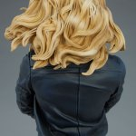 sideshow-collectibles-black-canary-premium-format-figure-statue-marvel-collectibles-img11