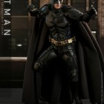 hot-toys-dark-knight-rises-batman-sixth-scale-figure-dc-comics-collectibles-dx-img06