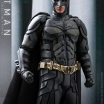 hot-toys-dark-knight-rises-batman-sixth-scale-figure-dc-comics-collectibles-dx-img10