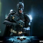hot-toys-dark-knight-rises-batman-sixth-scale-figure-dc-comics-collectibles-dx-img13
