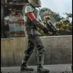 hot-toys-transport-trooper-sixth-scale-figure-star-wars-the-mandalorian-collectibles-tsm030-img03