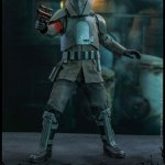 hot-toys-transport-trooper-sixth-scale-figure-star-wars-the-mandalorian-collectibles-tsm030-img09