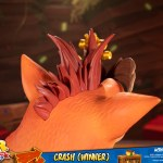 first-4-figures-crash-winner-standard-edition-statue-CTR-team-racing-nitro-fueled-collectibles-img20