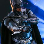 hot-toys-batman-forever-sonar-suit-sixth-scale-figure-dc-comics-collectibles-mms-593-img07