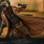 hot-toys-knightmare-batman-and-superman-1-6-scale-collectible-set-justice-league-collectibles-img02