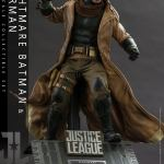 hot-toys-knightmare-batman-and-superman-1-6-scale-collectible-set-justice-league-collectibles-img05