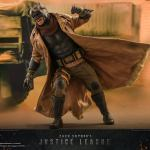 hot-toys-knightmare-batman-and-superman-1-6-scale-collectible-set-justice-league-collectibles-img31