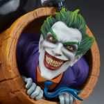 sideshow-collectibles-harley-quinn-and-the-joker-diorama-statue-dc-comics-img14