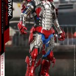 hot-toys-tony-stark-mark-v-suit-up-version-deluxe-sixth-scale-figure-marvel-mms-600-img05