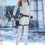 hot-toys-black-widow-snow-suit-sixth-scale-figure-marvel-collectibles-mms-601-img03