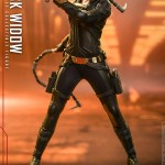 hot-toys-black-widow-sixth-scale-figure-black-widow-movie-marvel-collectibles-img05